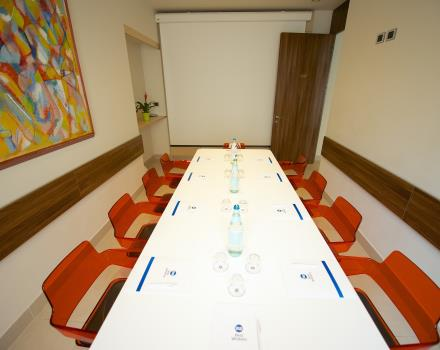Meeting Room 3 star Hotel Conferences visit Turin and stay at the Best Western Hotel Luxor. Discover the level of hospitality, the comfort of the rooms and the quality of services of our hotel. Best Western: a passion for hospitality.