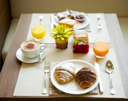 Enjoy the buffet breakfast at the Best Western Hotel Luxor, Turin 3 star